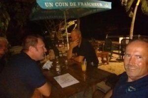 Im Strandrestaurant chez Henri auf Marie-Galante